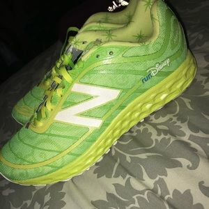 LIME GREEN TINKERBELL -DISNEY NEW BALANCE SNEAKERS